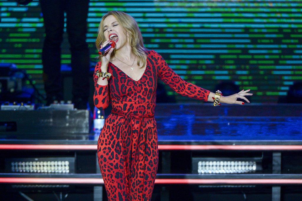 13-FAEL-Kylie-Minogue-4.jpg