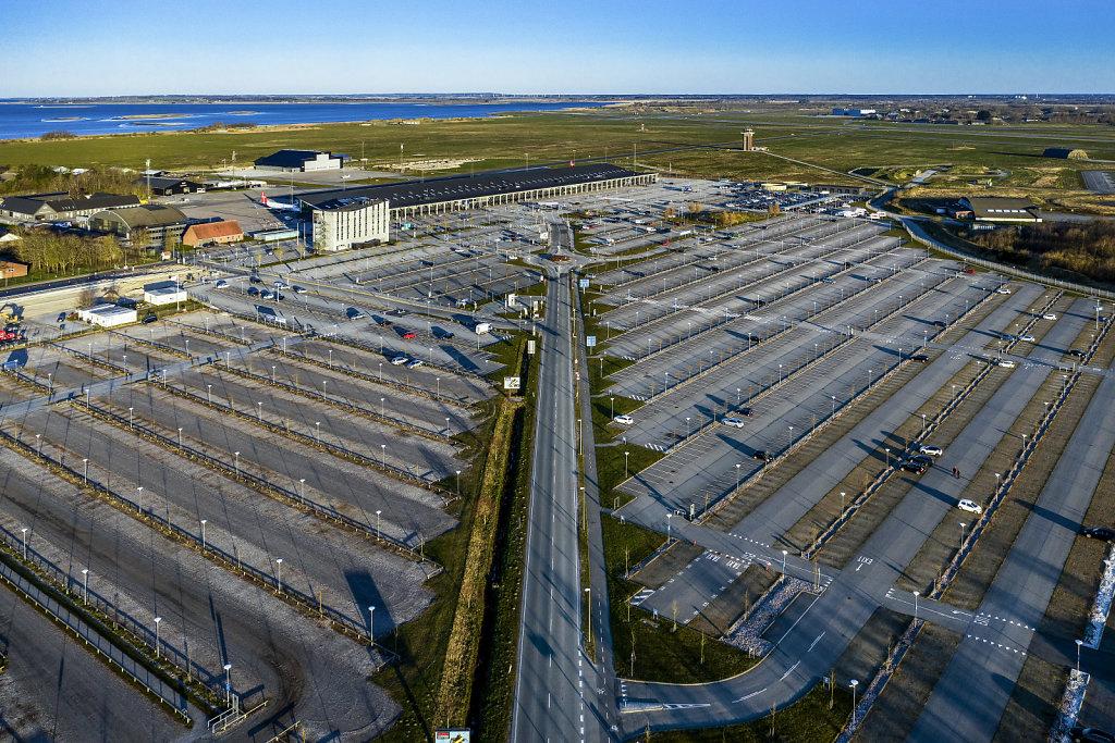 15-FAEL-Aalborg-Lufthavn-ligger-ode-1.jpg